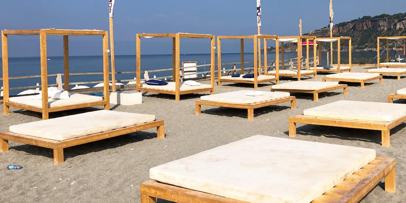 Stabilimenti balneari in legno lamellare